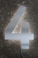"""LED Hausnummer """"4"""" hinterleuchtet"""