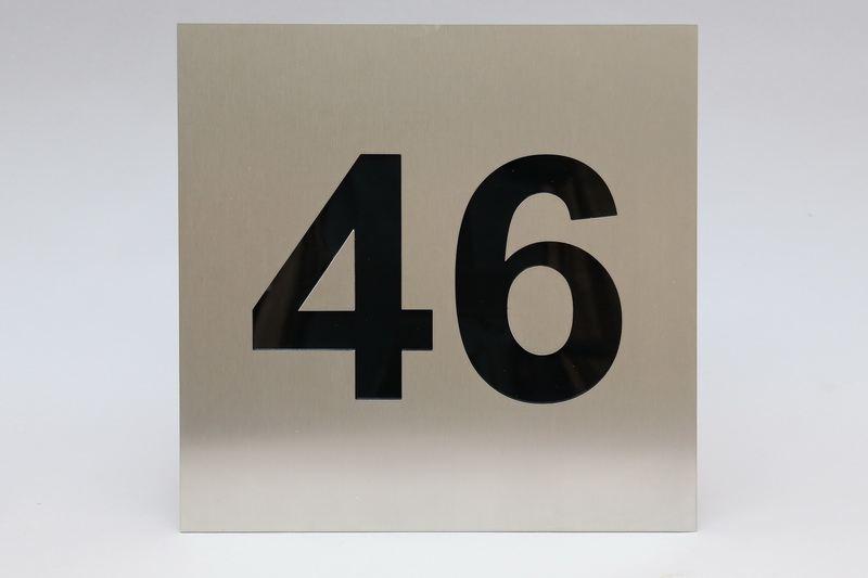 edelstahl hausnummer mit hinterlegtem acrylglas. Black Bedroom Furniture Sets. Home Design Ideas