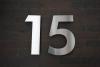 Hausnummer 15 aus Edelstahl