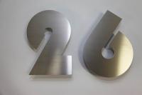 Hausnummer 26 aus 3 mm Edelstahl