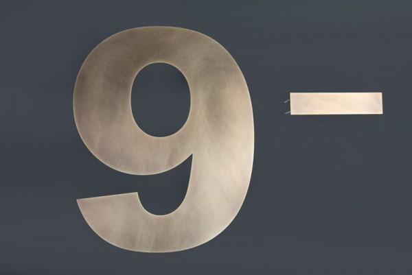 Hausnummer aus Tombak Wasserstrahl geschnitten