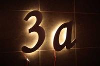 Hausnummer aus 3mm Edelstahl mit LED hinterleuchtet