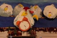 """Wackelnde Weihnachts- Hühner in """"Waldemars Wundertüte"""", dem shop im Mullewapp"""