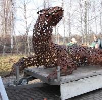 Transport unserer Riesenechse zu einer Ausstellung in die Gartenlounge bei Steinberg Gärten in Hannover
