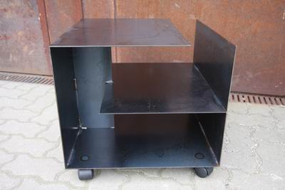 rollbarer Tisch 50x50x40 cm aus Rohrstahl, klar lackiert