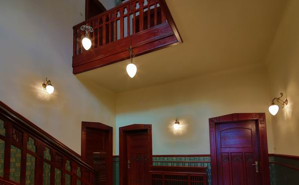 treppenhaus beleuchtung in einer jugendstil villa