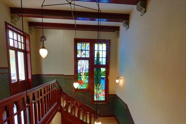 treppenhaus beleuchtung in einer jugendstil villa,