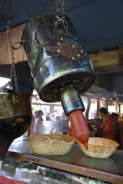 Verkleidung für einen Euterspender aus Stahlblech und Kupfer für den Zoo Hannover