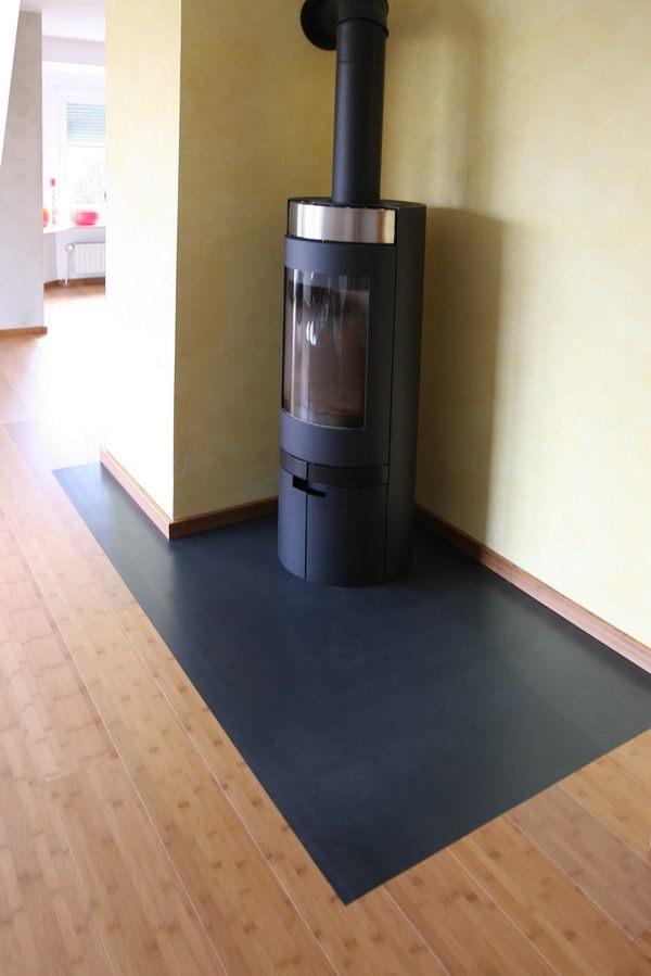 kaminblech mit einem ausschnitt f r den kamin. Black Bedroom Furniture Sets. Home Design Ideas
