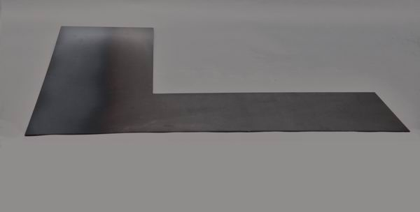 Kaminblech oder Kaminumrandung aus klar lackiertem 3mm Stahlblech