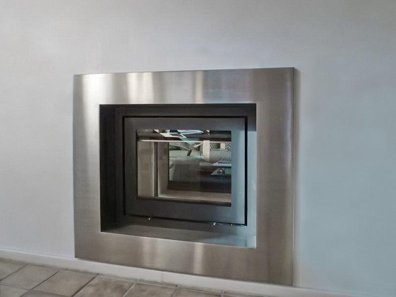 kamineinfassung aus edelstahl. Black Bedroom Furniture Sets. Home Design Ideas