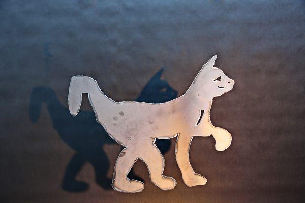 Katzen Skulptur aus plasmagetenntem Stahl