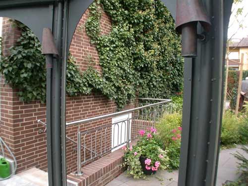 Geländer für Kellertreppe aus Edelstahl.