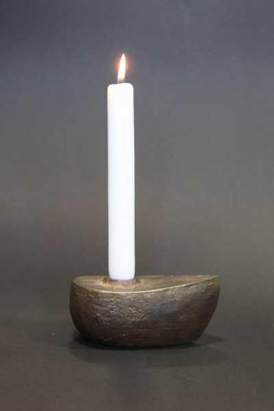 Kerzenleuchter aus gegossener Bronze
