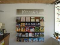 Prospektwand aus Edelstahl für den Tourismusverband Kleinarl in Österreich