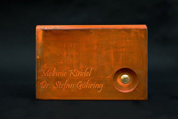 Klingelschild aus 2 mm Corten Stahl gelasert