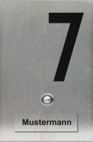 Klingelschild mit aufgesetztem Namen