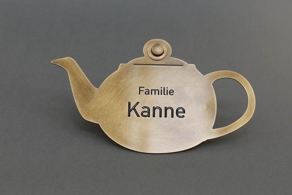 Klingelschild der Familie Kanne aus 3 mm Tombak