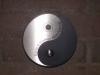 Yin Yang Klingelschild aus Edelstahl mit einer Anlassbeschriftung