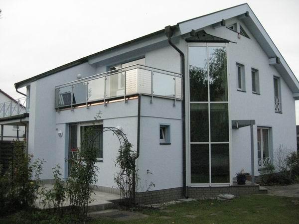 balkongel nder aus edelstahl mit sicherheitsglas und. Black Bedroom Furniture Sets. Home Design Ideas