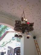 2 Leuchter im Torhaus im Mullewapp