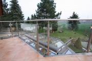 Edelstahl und Glas Geländer mit LED´s im Handlauf