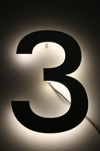 "Hausnummer ""3"" mit LED´s hinterleuchtet"