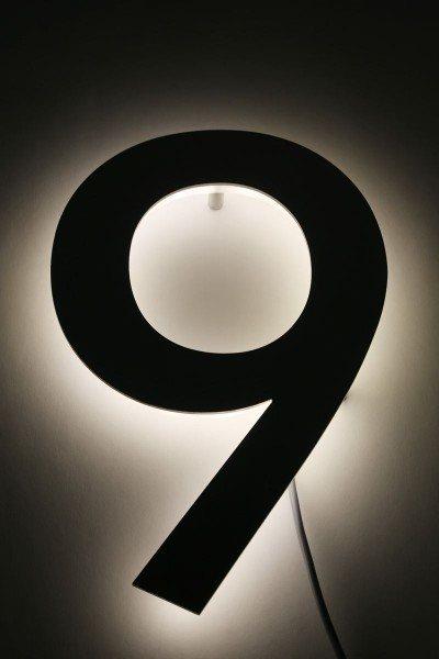 """Hausnummer """"9"""" mit LED hinterleuchtet"""