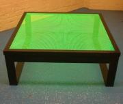 Tisch mit LED Tischplatte