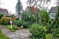 Gartenpavillon und Rankgitter aus feuerverzinktem Rundstahl