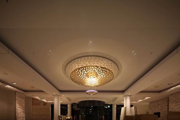 Foyer Im Hotel : Kronleuchter f�r das foyer im ramada hotel in berlin am