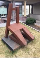 """Stuhlskulptur """"Living Chair"""" für KüchenArt in Potsdam"""