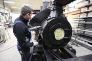04.02.10 Das Führerhaus der Lok darf nun wieder zurück auf seinen Platz