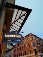 Ausleger für das Lortzing in Leipzig zur blauen Stunde