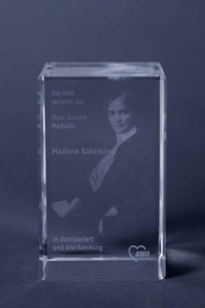 Besondere Ehrung: Die Elise-Bartels-Medaille für Marlene Kahrmann 2011