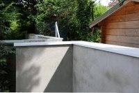 Eine Mauerabdeckung schützt Ihre Mauer vor Feuchtigkeitsschäden