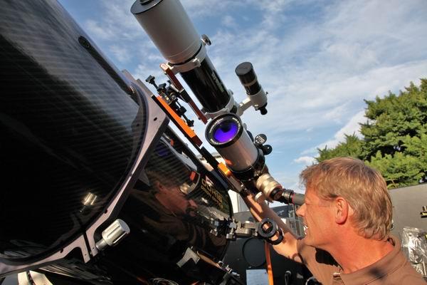 Miguel Hösel in unserer Sternwarte bei der Sonnenbeobachtung