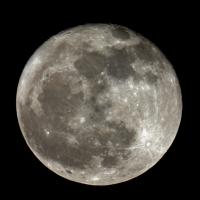 Der Mond am 8.2.2012 einen Tag nach Vollmond