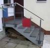 Treppengeländer aus lackiertem Stahl. Mondrian lässt grüßen
