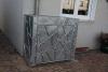 Mülltonnenverkleidung aus verzinktem Stahl mit Schmitzstruktur