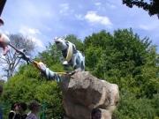 Mullewapp Figuren über dem Eingang zum Streichel Zoo Hannover