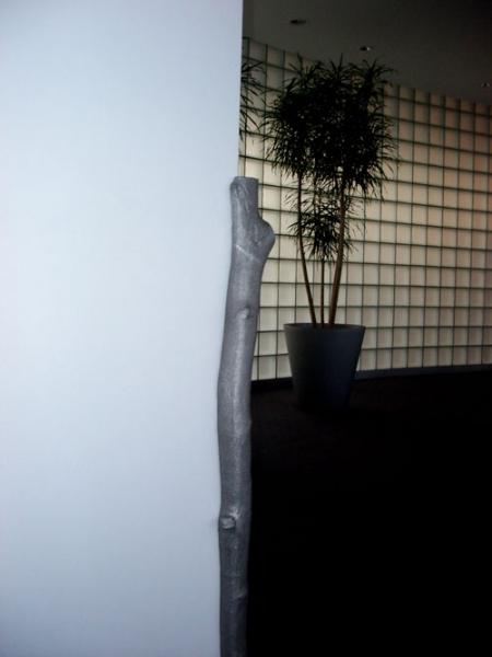 Eckschutz -  aus Alumimium gegossener Baumstamm für ORDAT