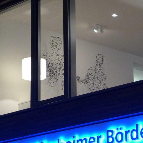 2 wunderschöne Skulpturen für die Volksbank Hildesheimer Börde