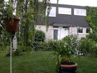 Halbrunde Garten Paravents als Rankhilfe aus feuerverzinktem Stahl mit Schmitzstruktur