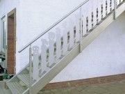 Treppengeländer und Brüstungsgeländer für einen Balkon