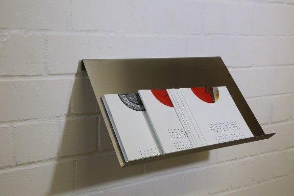 Zeitschriftenhalter aus Edelstahl