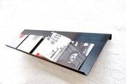 wandhängender Prospekthalter aus 3 mm Zunderstahl