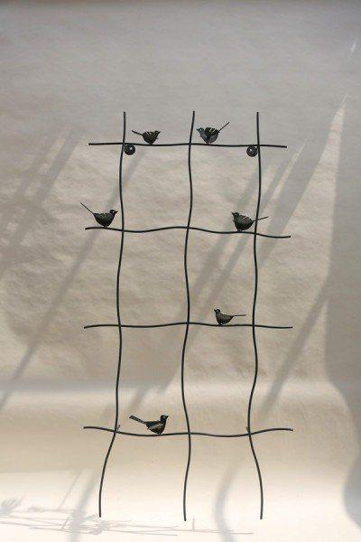 Rankgitter mit 6 Vogelskulpturen