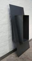 Regal mit einem Körper aus 3 mm Stahlblech mit Blattgoldauflage