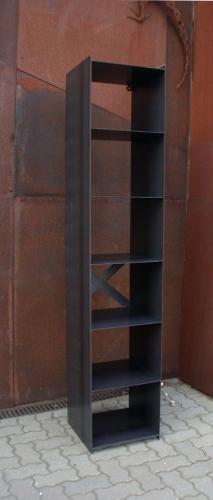 Regal für Kaminholz aus Stahl geschweisst